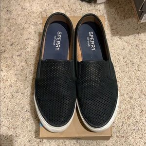 Woman Sperry Too-Slider